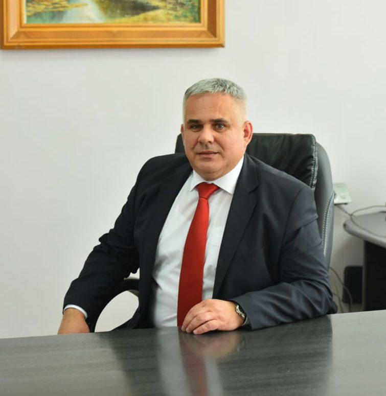 radensko-savic-direktor-skole